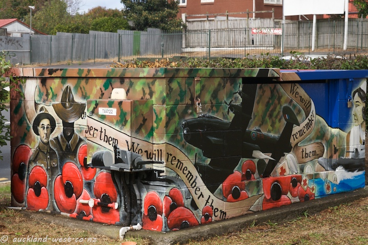 Painted Boxes: Anzac Day (Dan Mills)
