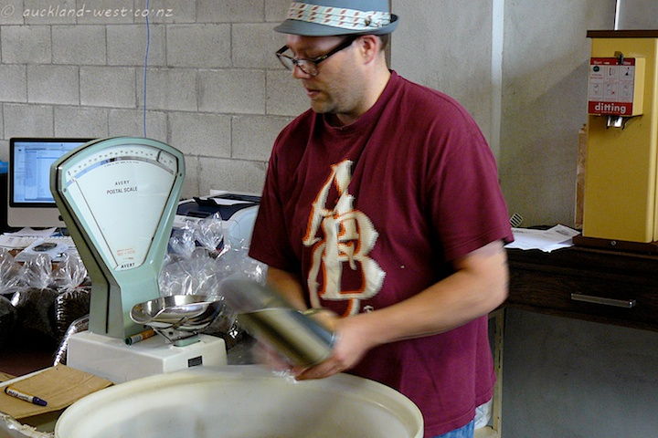 Jay, Packaging Roasted Beans