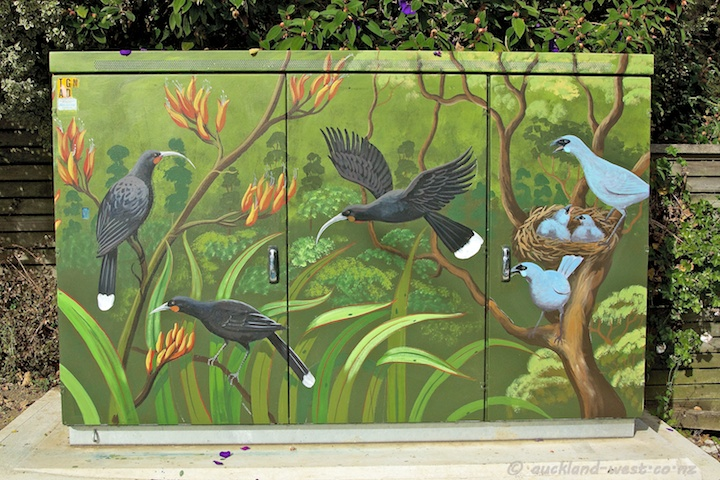 Huia Birds and Kakapo (Monique Endt)
