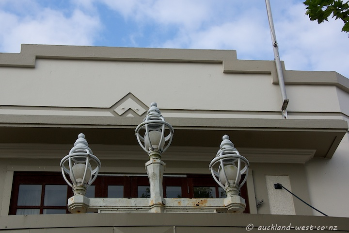 Three Lamps on former Gluepot