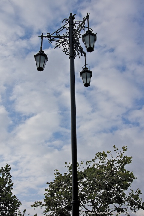 Three Lamps Replica, Ponsonby