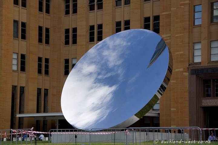 Sky Mirror (Anish Kapoor, 2006)