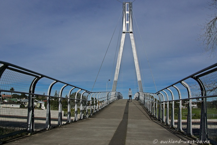 Mount Roskill Bridge