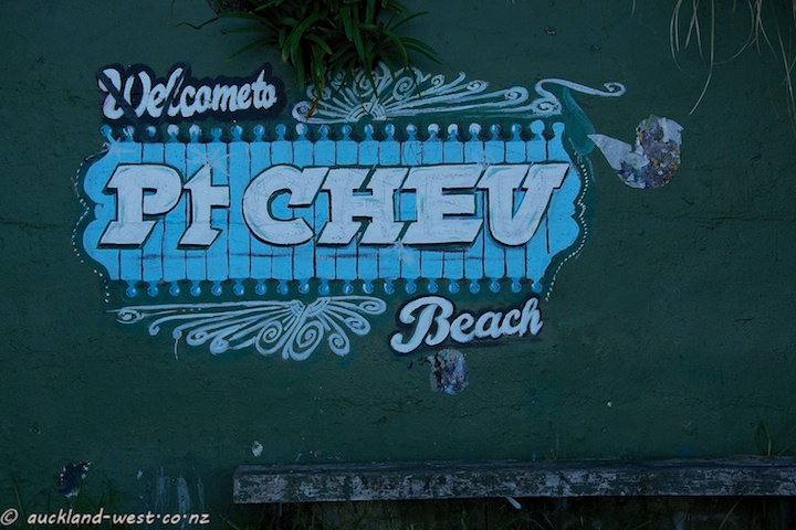 Location Signs: Pt Chev Beach