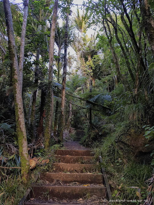 Karamatura Loop Walk
